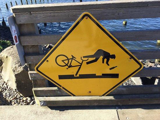 Astoria Riverfront Trolley: Cyclist warning.