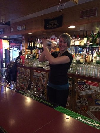 Bowen Island, Canada: Iona shakes up her 'souped up whiskey sour'