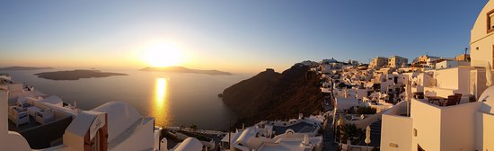 Smaro Studios: Sunset over the caldera