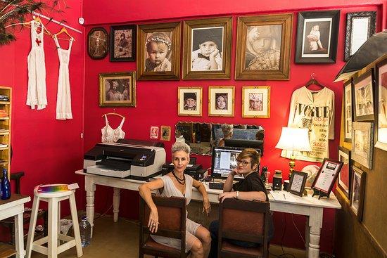 Kiki's Vintage Photo Studio