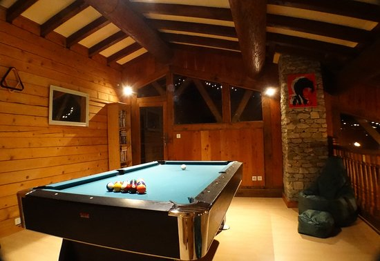 Seez, Francia: Pool Table