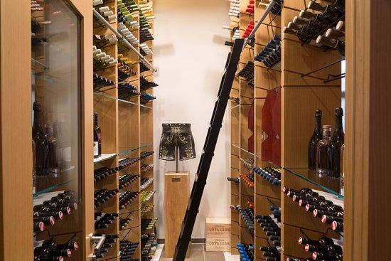 Unser begehbarer Weinschrank - Picture of Redox, Unterschleissheim ...