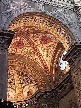Chiesa di Santa Maria della Passione: Milano, chiesa di s. Maria della Passione: volta del transetto sinistro