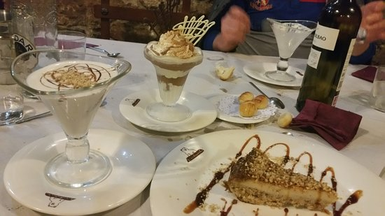 Proaza, España: Postres caseros (deliciosos!!)