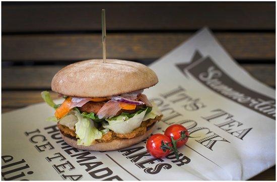 Photo of American Restaurant Ellis Gourmet Burger Rotterdam at Stationsplein 49, Rotterdam 3013, Netherlands