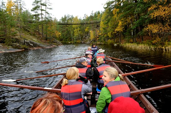 Kouvola, Suomi:  Paddling in Repovesi national park