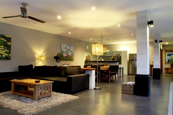 Anyar Estate: Living room at 2 bedrooms villa