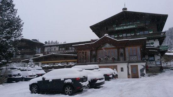Neukirchen am Grossvenediger, Austria: Außenansicht Hotel Gassner