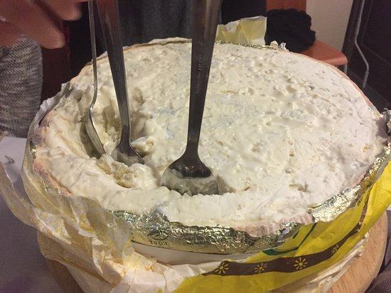 Benevello, อิตาลี: Gorgonzola fresca al cucchiaio