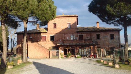 Torrita di Siena, Włochy: Esterno del ristorante