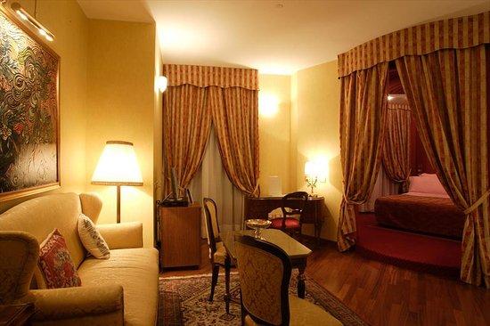 Bagno in camera junior suite suite con vasca idromassaggio doppia foto di hotel tosco - Tosco romagnolo bagno di romagna ...