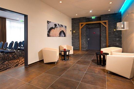 Cruciform Foyer Seminar Room : Leonardo hotel völklingen saarbrücken bewertungen fotos
