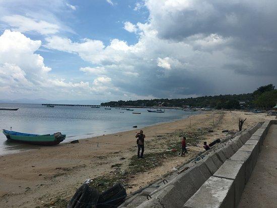 Kupang, إندونيسيا: pemandangan sekitar pantai namosain