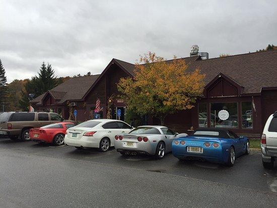 Dover, VT: Parking entrance to Dot's