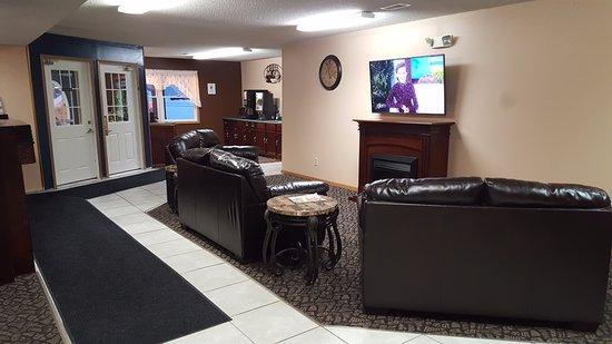 New Richmond, WI: Lobby