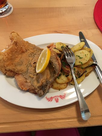 Deep fried Carp with roasted potatoes - Bild von Kitzmann ...