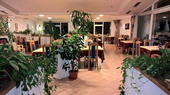 Cermes, Italia: Interno del ristorante