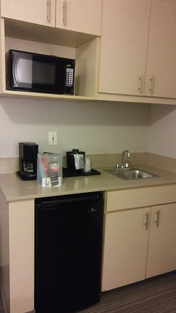 Country Inn & Suites By Carlson, Austin North (Pflugerville): Kitchenette
