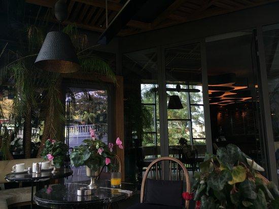 Gezi Hotel Bosphorus: fiamma lobby outdoor