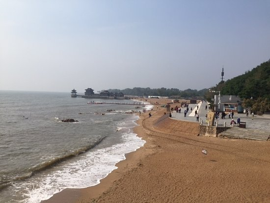 Qinhuangdao, Cina: View on the sea from Great wall