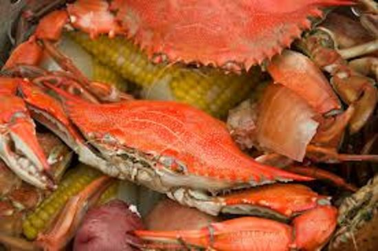 Murrells Inlet, Carolina del Sur: Local Blue Crab Steamed and Seasoned while you wait