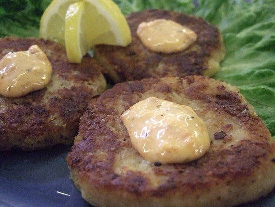 Murrells Inlet, Carolina del Sur: Local Hand Made Crab Cakes by The Crab Cake Lady