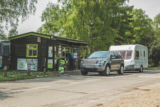 Entrance - Picture of Roundhill Caravan Park & Campsite, Brockenhurst - Tripadvisor