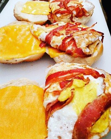 New Rochelle, Nowy Jork: Bacon, Egg & Cheese