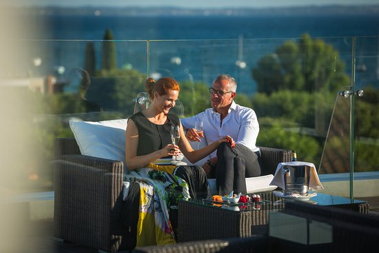 """Color Hotel: """"La Vista"""" terrace for special events with breathtaking view of Garda Lake!"""