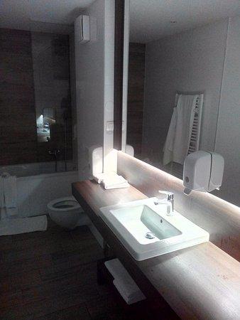 Hotel Emonec Photo