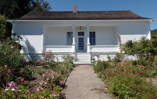Jenner, CA: caretakers cottage
