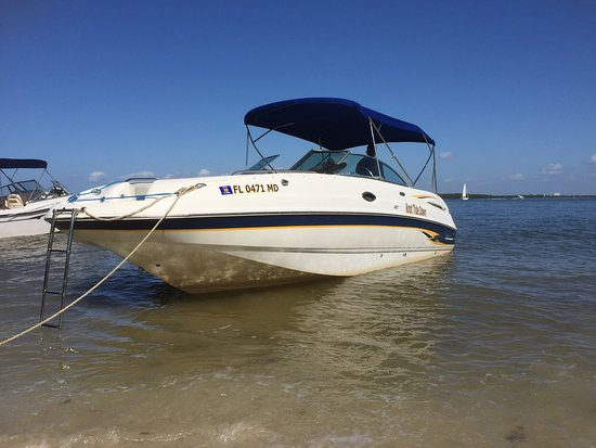 Captain Manni's Executive Boat Rentals
