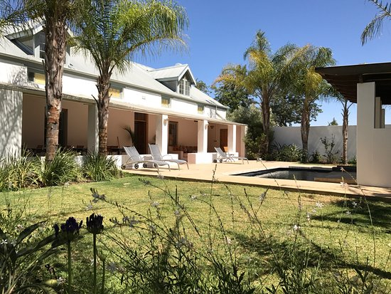 Shiraz Estate Guest House