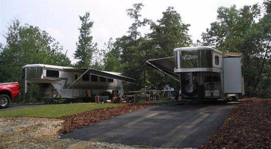 Gillsville, GA: Camping Sites