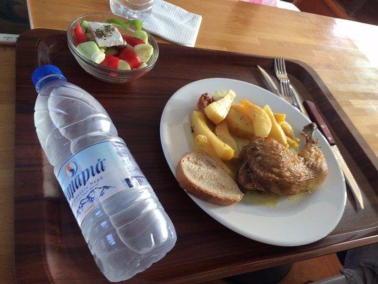 Trachilos, Grecia: обед на одного (мы делили на двоих)
