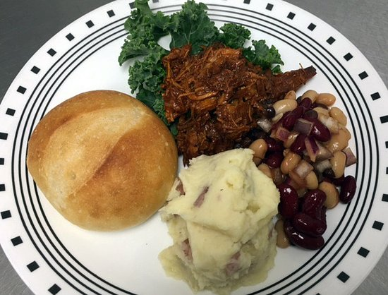 Williamstown, MA: Pulled pork, mashed potatoes & baked beans from the hot bar