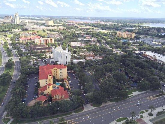 The Orlando Eye: Vista dos hoteis ao redor da International Drive