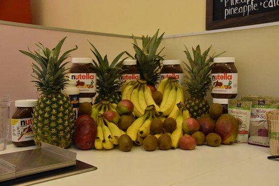 Tinton Falls, NJ: Fresh fruit!!