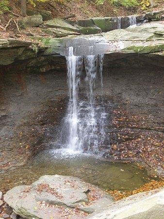 Brecksville, OH: Blue Hen Falls