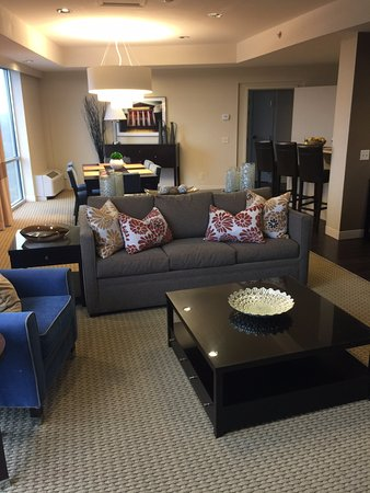 Four Points by Sheraton Tallahassee Downtown : Presidential Suite - Sitting Area
