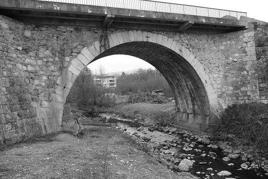 Saint-Julien-en-Genevois, France: Pont Manera janvier 2017