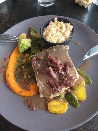 Carre Petanque Obut : Un repas excellent - une service au top, rapide. J'ai pris entrée et plat du jour .. C'était trè