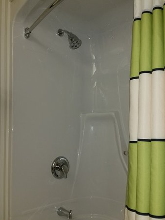 Fairfield Inn Toronto Oakville: Clean Shower