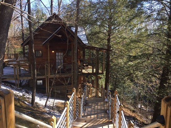 Smithville, TN: rooms viewed from main lodge