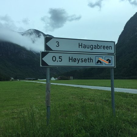 Skei, Norway: The turn off from the main road, turns in to a toll road.
