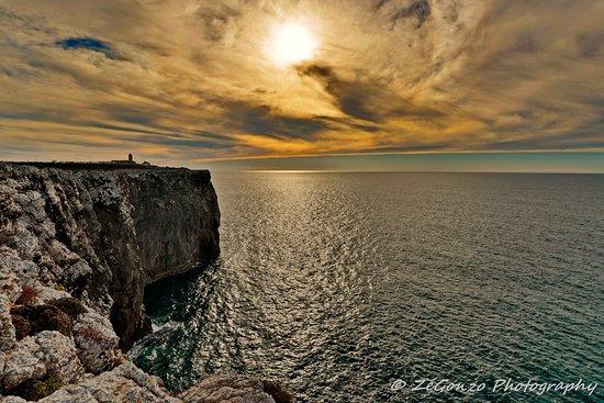 Cape Saint Vincent, โปรตุเกส: No fim da Europa... O Sol vai para as Américas.