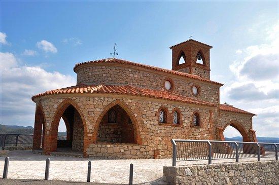 Provincia de Zaragoza, España: Otra vista de la Ermita de la Virgen del Pilar en Fayon.