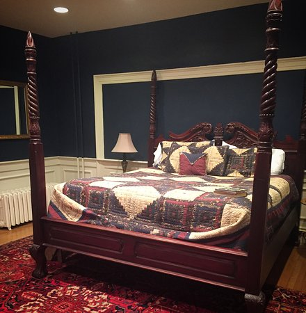 Amazing Bed amazing bed! - picture of inn at lincoln square, gettysburg