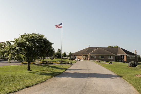 Waterloo, IL: This is a view of our clubhouse, which features our Smokehouse Restaurant, from our driveway.