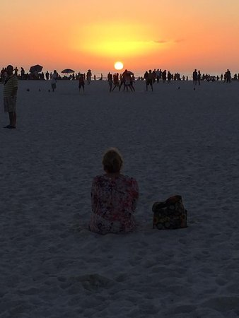Sea Spray Resort on Siesta Key: walked to drum circle ( 15 min on beach) amazing